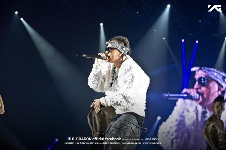 130407-gdragon-fukuoka-one-of-a-kind-official-facebook_008