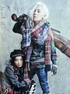 130719-bigbangupdates-gdragon-vogue-hobo-1