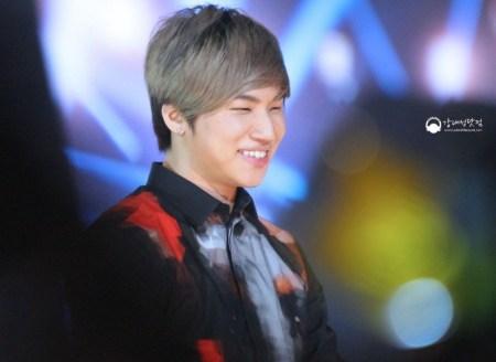 daesung-gd-concert-518_004-800x584