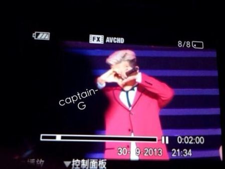 g-dragon_jackie_chan_concert_C02