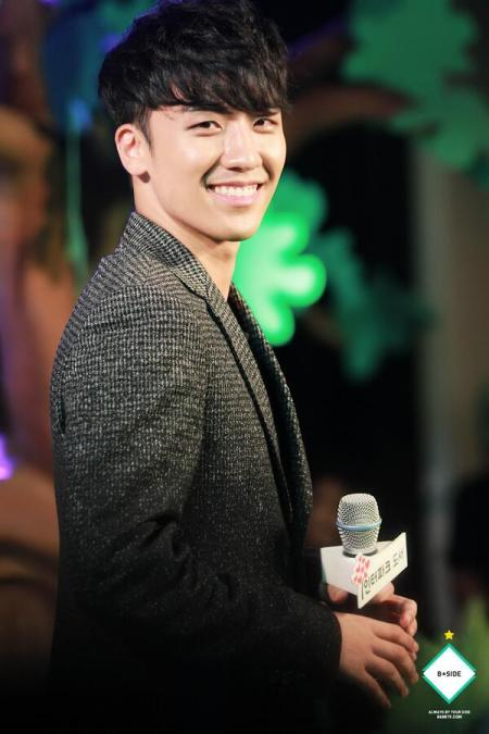 seungri-fan-meet_HQ_3