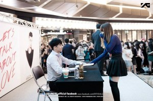 seungri_facebook_fansign_001-800x532
