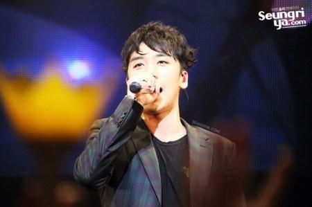 seungri_mezamashi_live_002-800x532