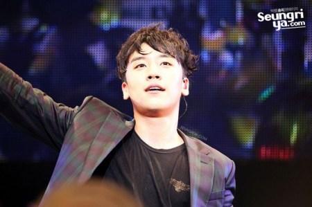 seungri_mezamashi_live_003-800x532