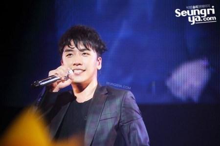 seungri_mezamashi_live_006-800x533