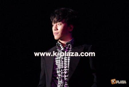 seungri_girls_award_001