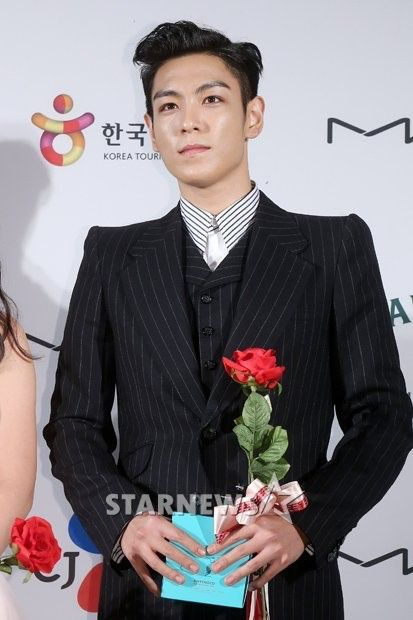 top_apan_blue_carpet_010