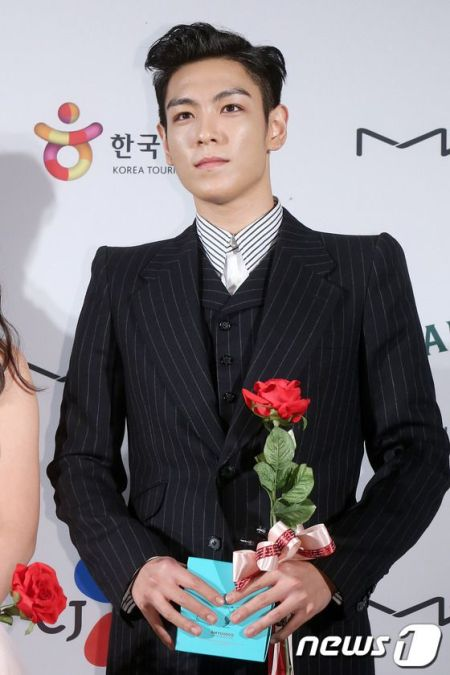 top_apan_blue_carpet_019