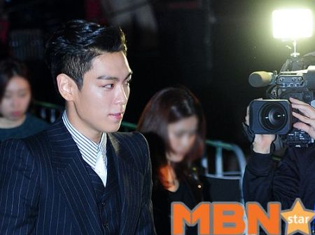 top_apan_blue_carpet_020