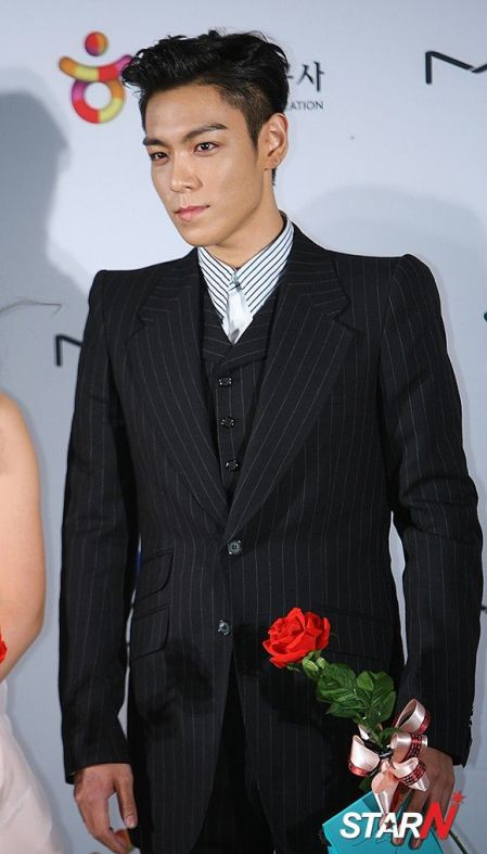 top_apan_blue_carpet_028
