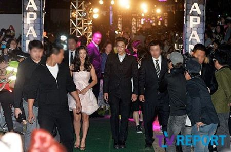 top_apan_blue_carpet_036
