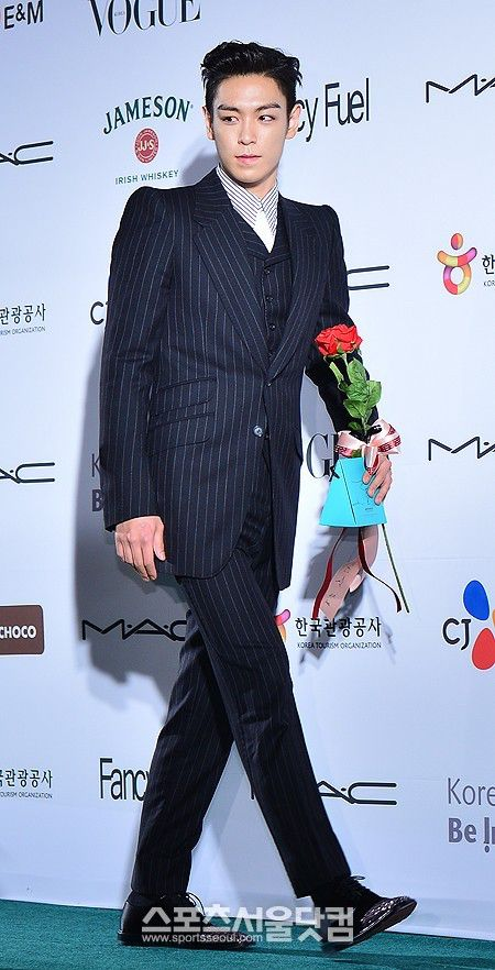top_apan_blue_carpet_037