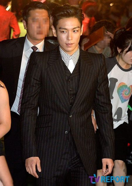 top_apan_blue_carpet_038